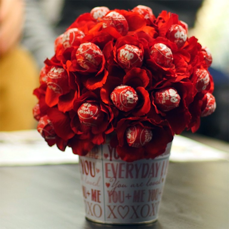 Make Your Sweetheart One Of These Genius Lollipop Bouquets For ...