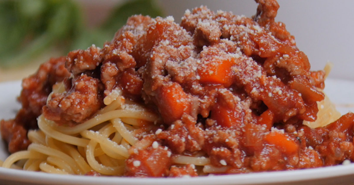The Best Italian Spaghetti Bolognese Recipe with Ground ... |Spaghetti Bolognese Chicken