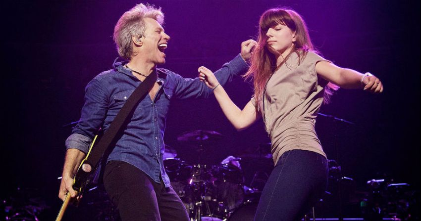Bon Jovi Brings His Daughter On Stage For A Special Moment