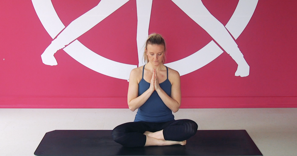 4 Easy Yoga Poses That Fix Tight Shoulders