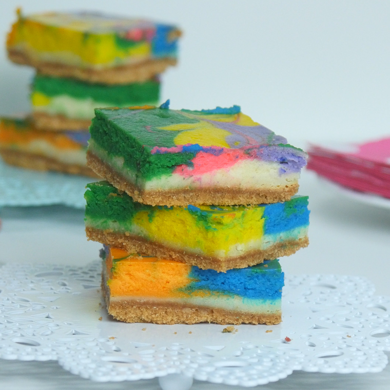 These rainbow vanilla cheesecake bars are on trend and for Food bar rainbow moon