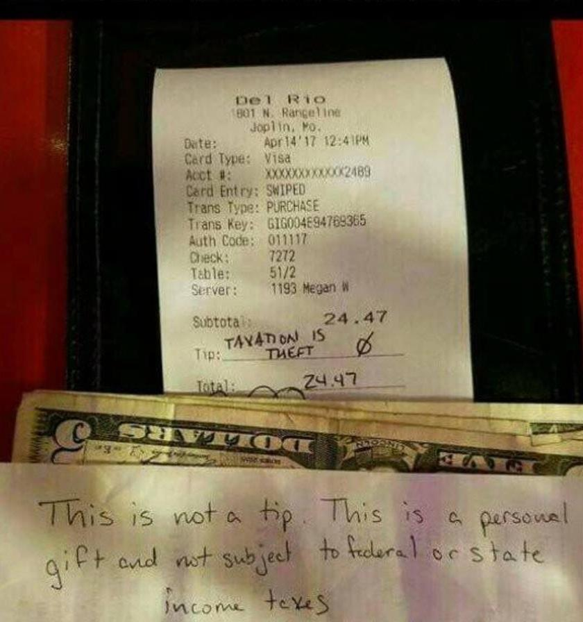 This Customer Refused To Tip Their Waitress, But They Gave Her This With A Note Instead