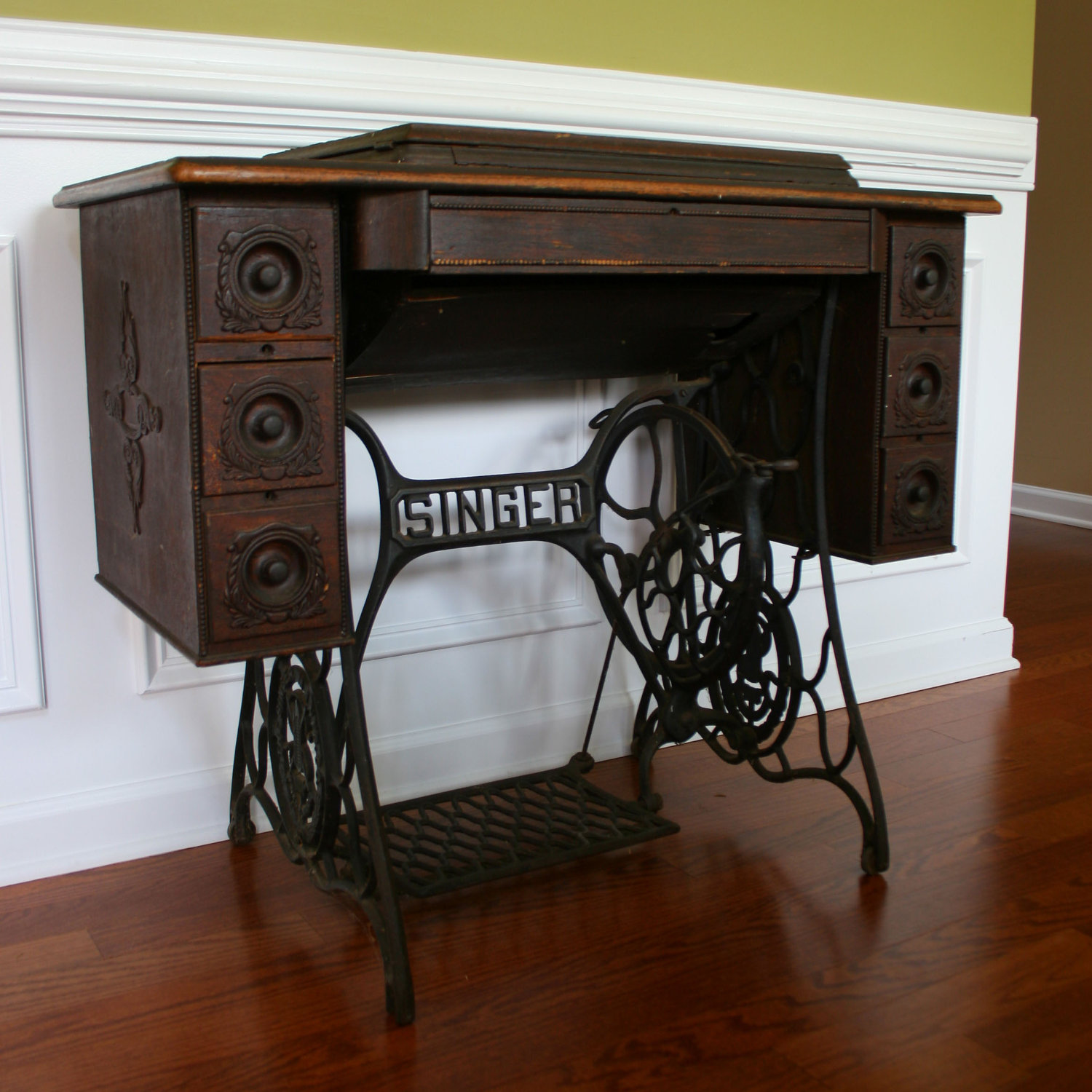 Who Remembers Seeing Their Mom Or Grandma Sitting At One Of These Sewing  Machine Tables? They Were Built So They Had A Spot To Put The Sewing Machine  Into, ...