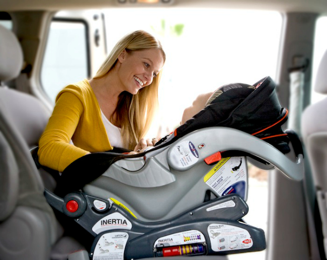 You Ve Been Carrying Your Car Seat The Wrong Way And Didn