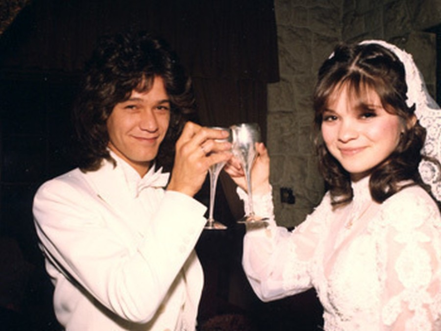 Van Halen Was Married For 27 Years But After His Wedding Day People Didn T Think It Would Last Minutes
