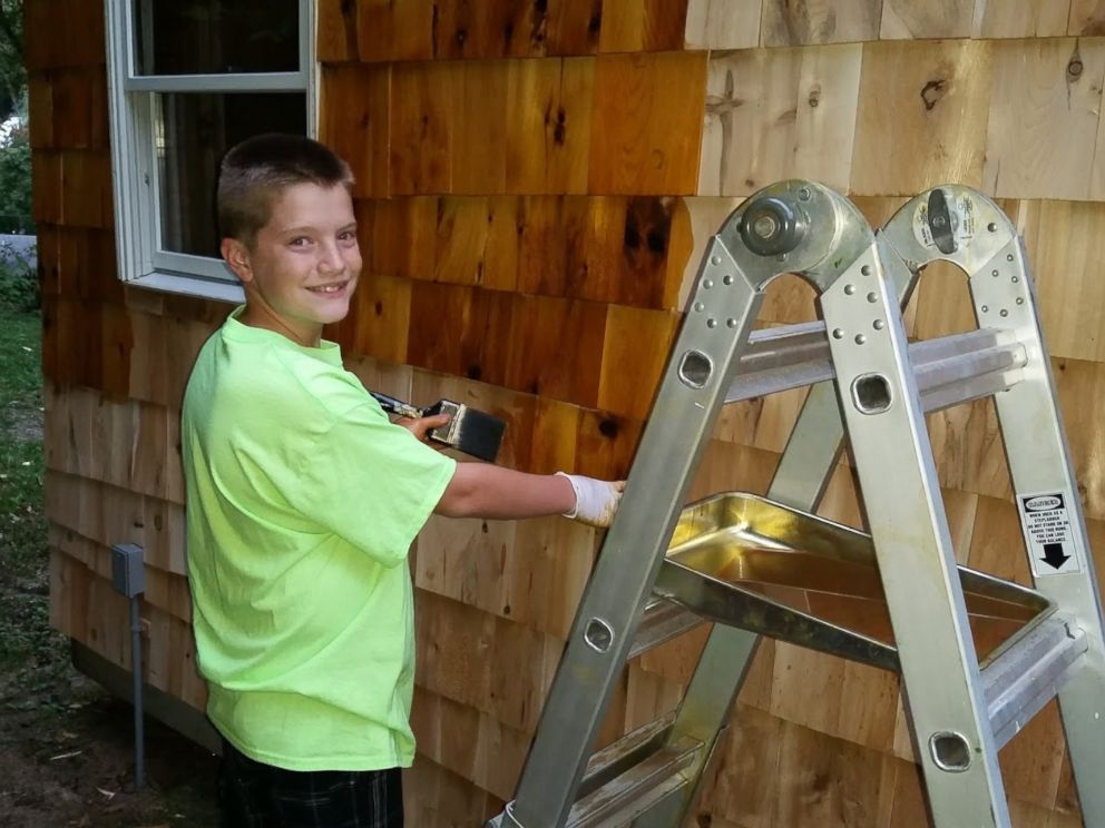 13-Year-Old Builds An Impressive Tiny Home In His Family's ...