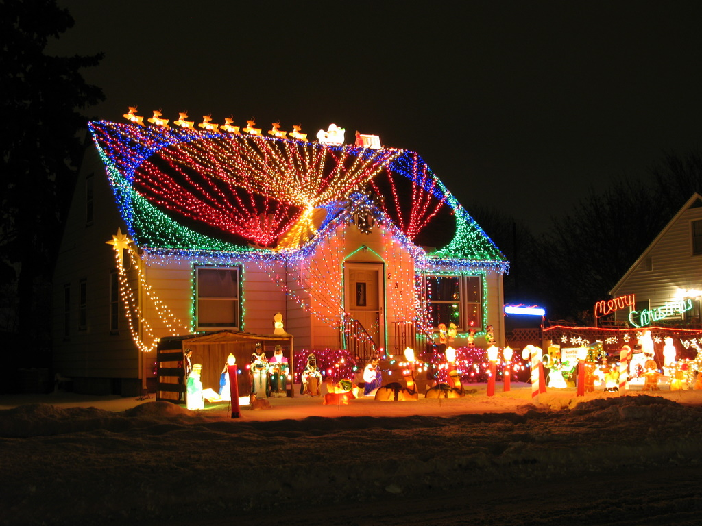 15 incredible christmas lights that are so good we can't even feel
