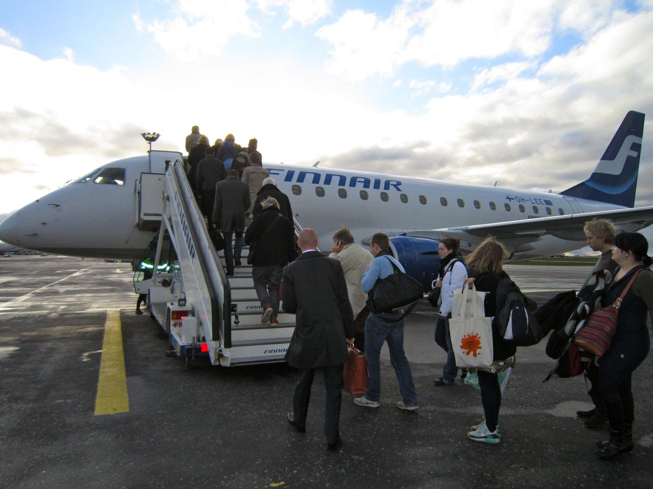People boarding Finnair