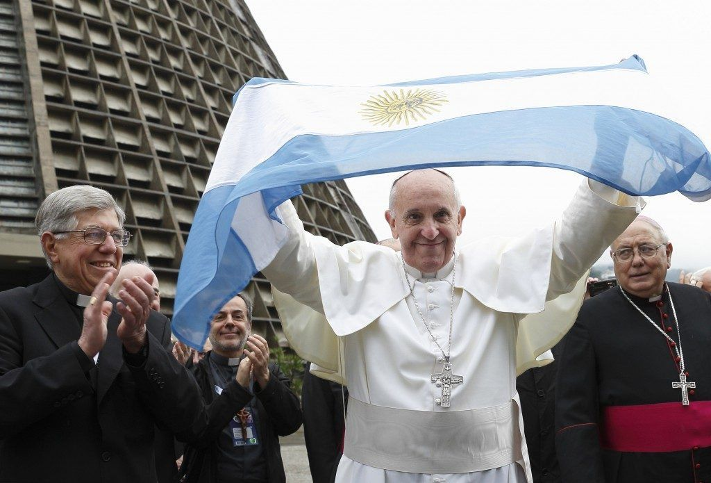 Pope Francis with Argentinean flag