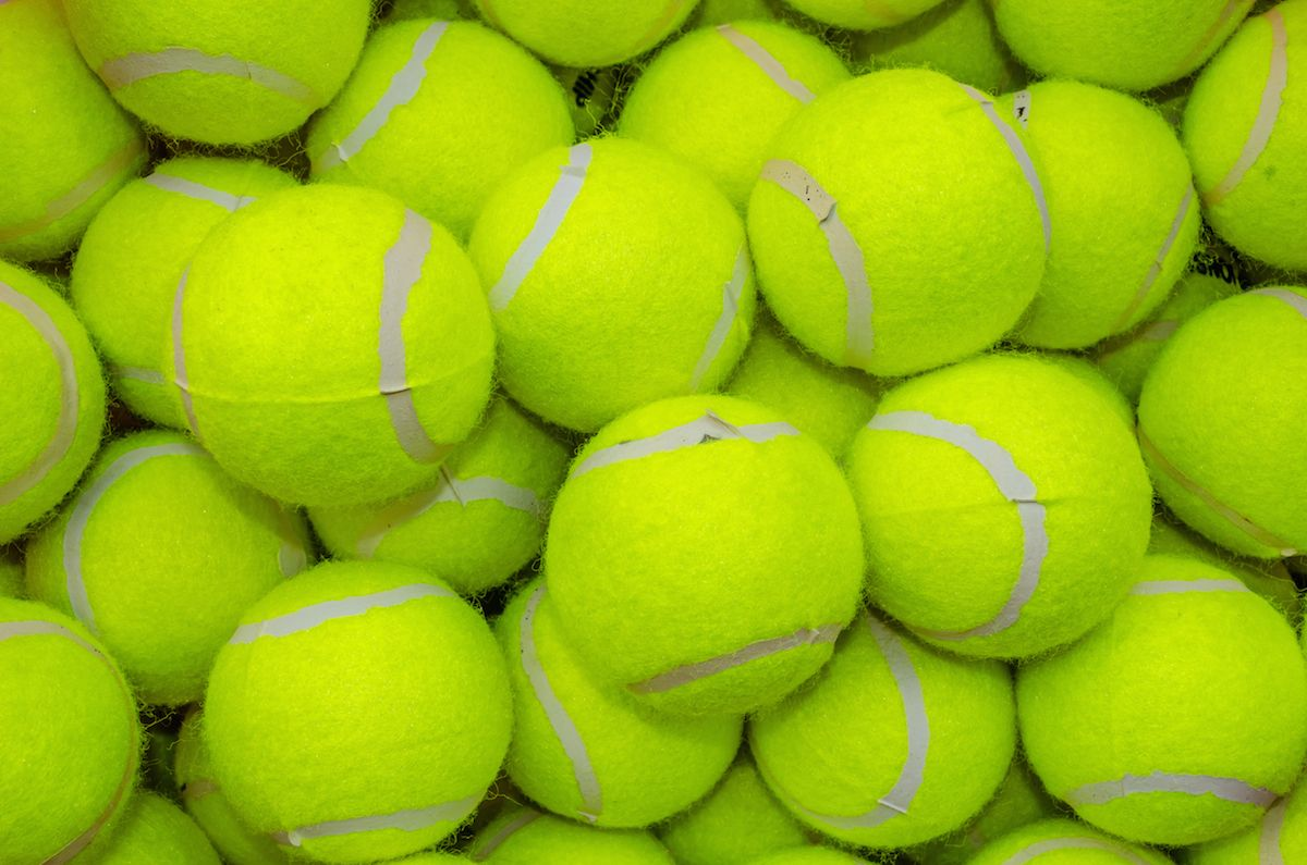 No One Can Agree On Which Color This Tennis Ball Is
