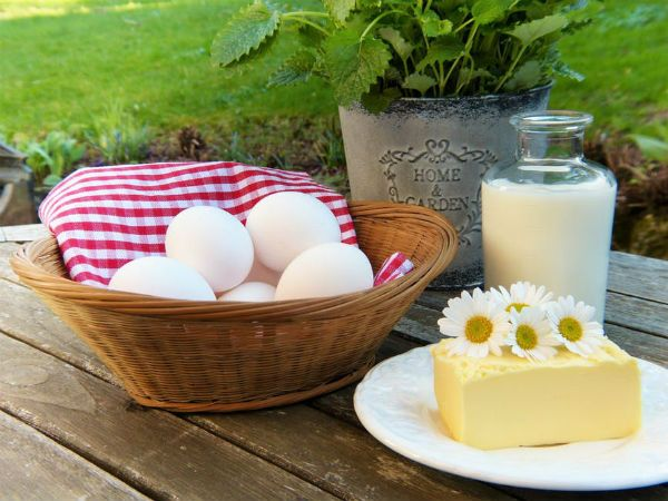 Butter and eggs contain calcium.