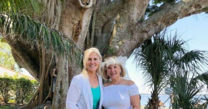 Karen Cooper menikahi pohon