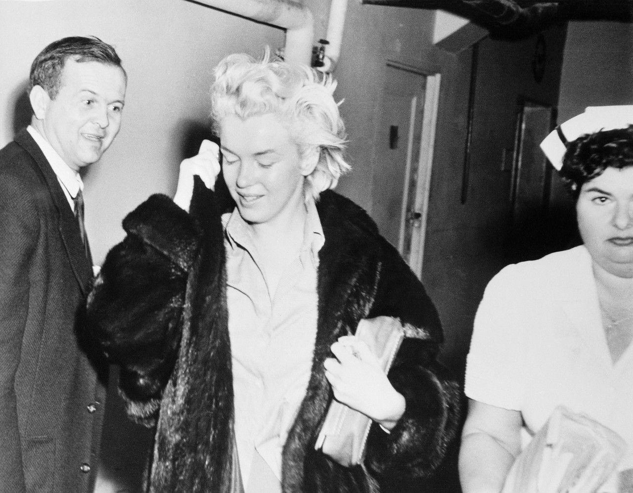 Marilyn Monroe at a psychiatric clinic