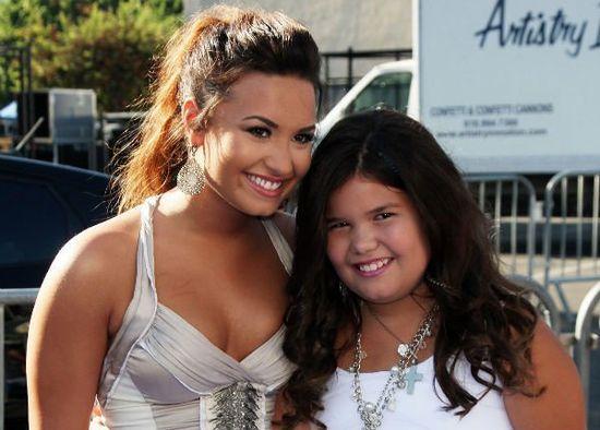 Demi Lovato and Madison De La Garza