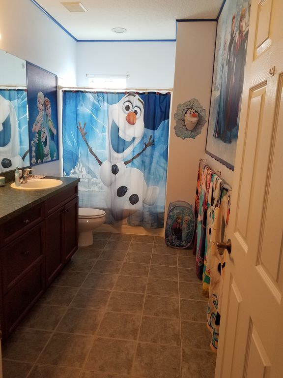 Disney house frozen bathroom