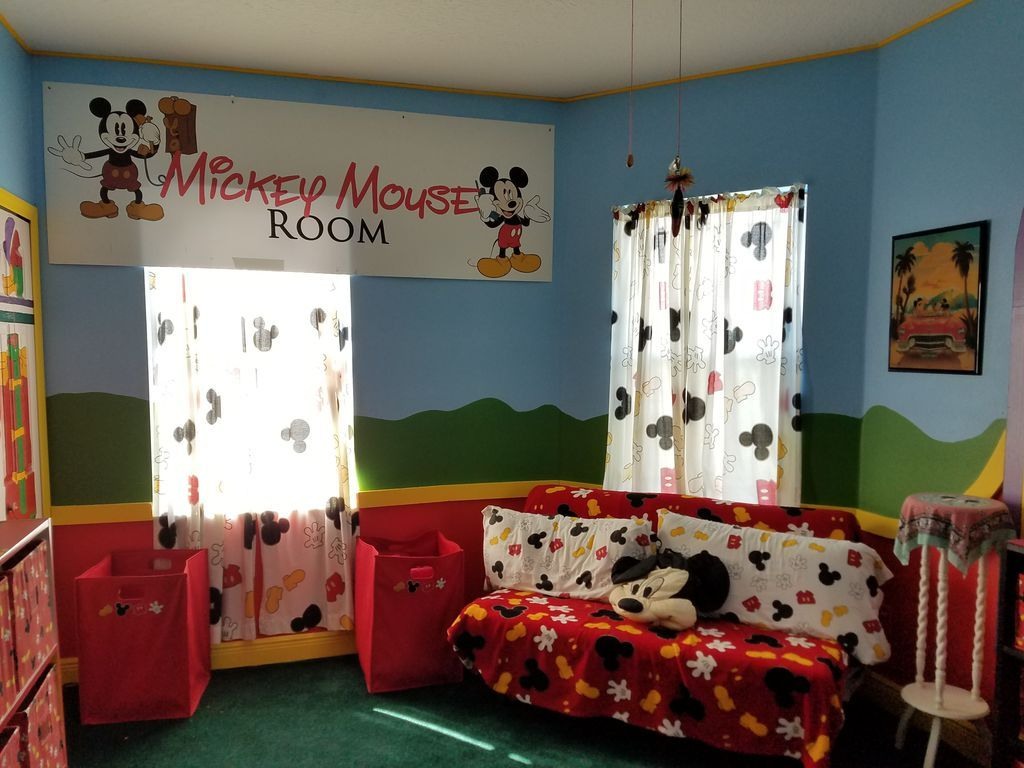 Disney House mickey's room