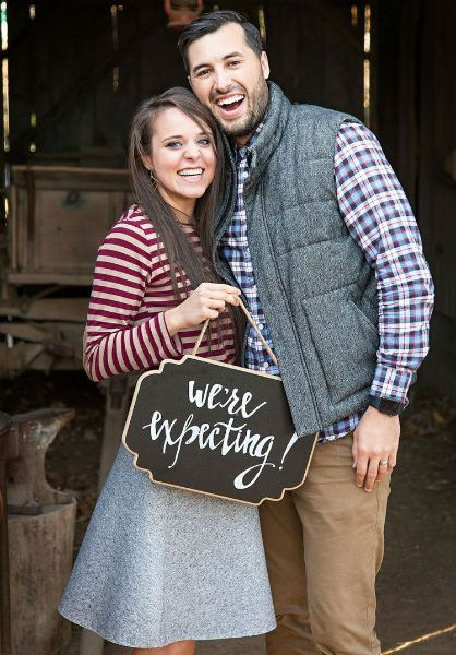 Jinger Duggar and Jeremy Vuolo's pregnancy announcement.