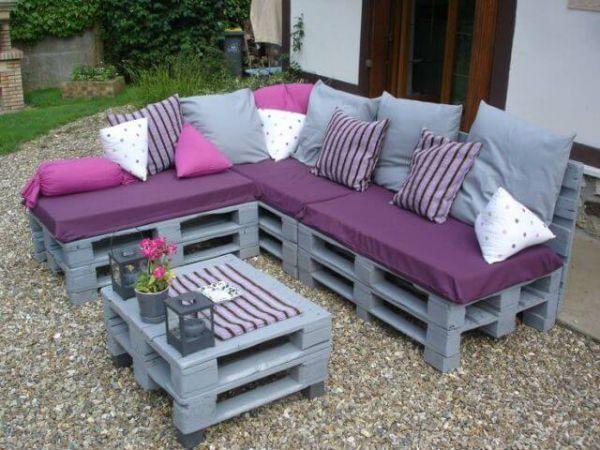 Pallet sofa