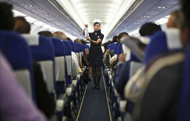 Airplane safety demonstation