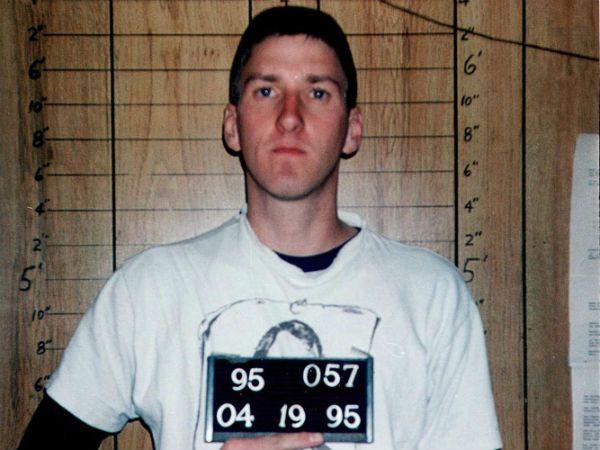 Timothy McVeigh mug shot