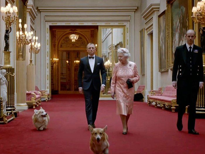 The Queen, Daniel Craig and the corgis in a short film for the Olympics