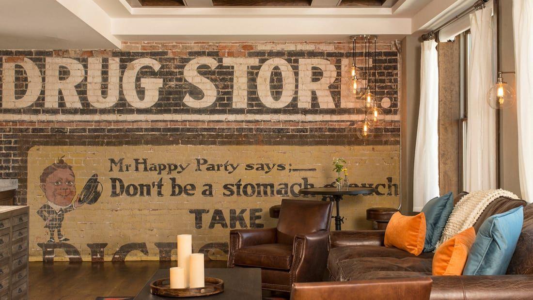 Drugstore Room mural