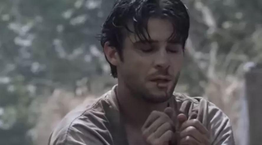 Luka praying