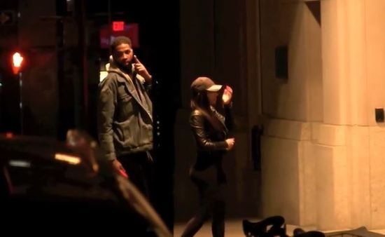 Tristan and his mistress entering a hotel
