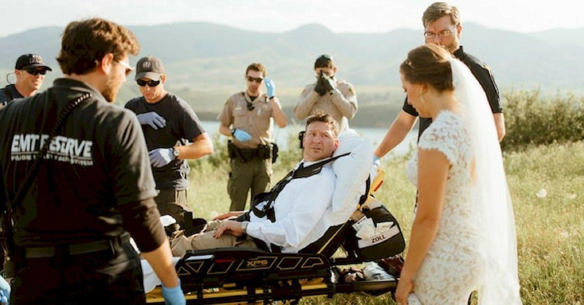 A groom in a stretcher