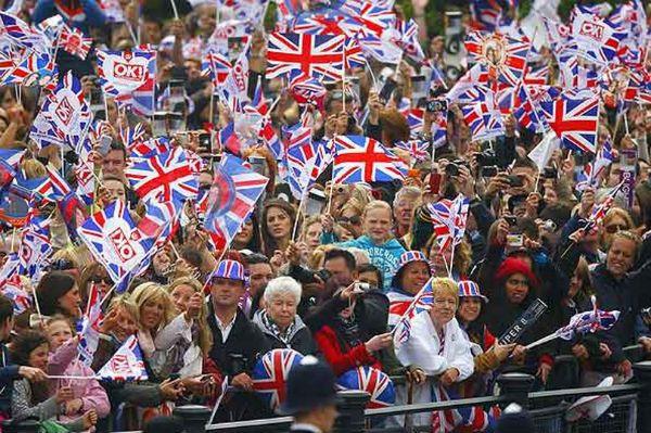 Royal Crowds