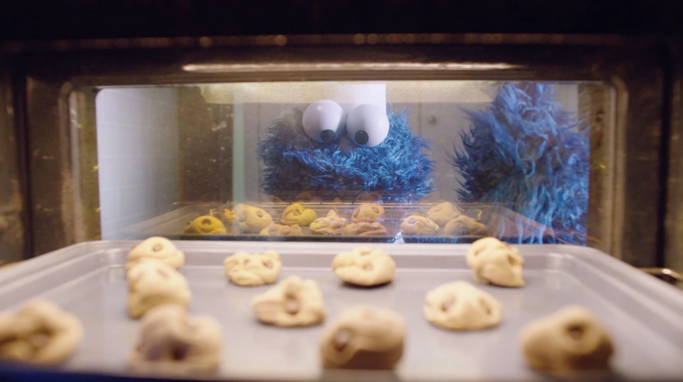 The Cookie Monster baking his cookies