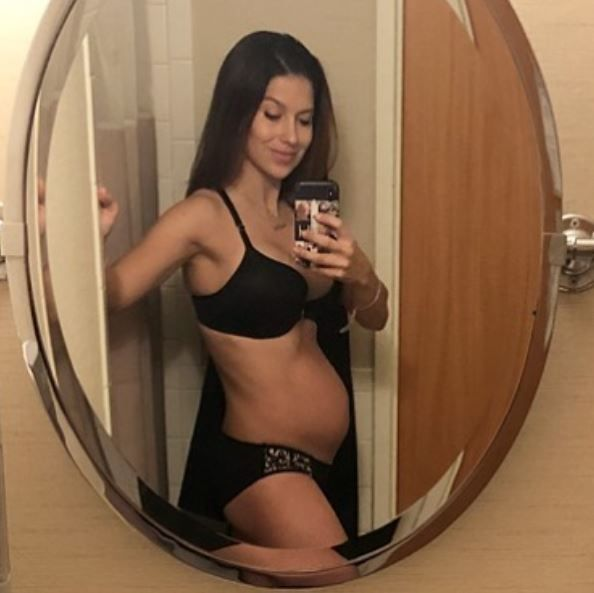 Hilaria Baldwin shows off her post pregnancy body
