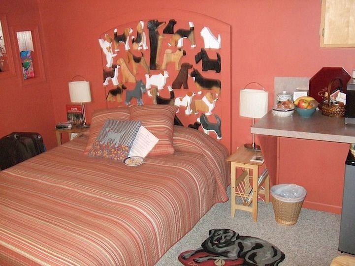 Bedroom in Dog Bark Park Inn