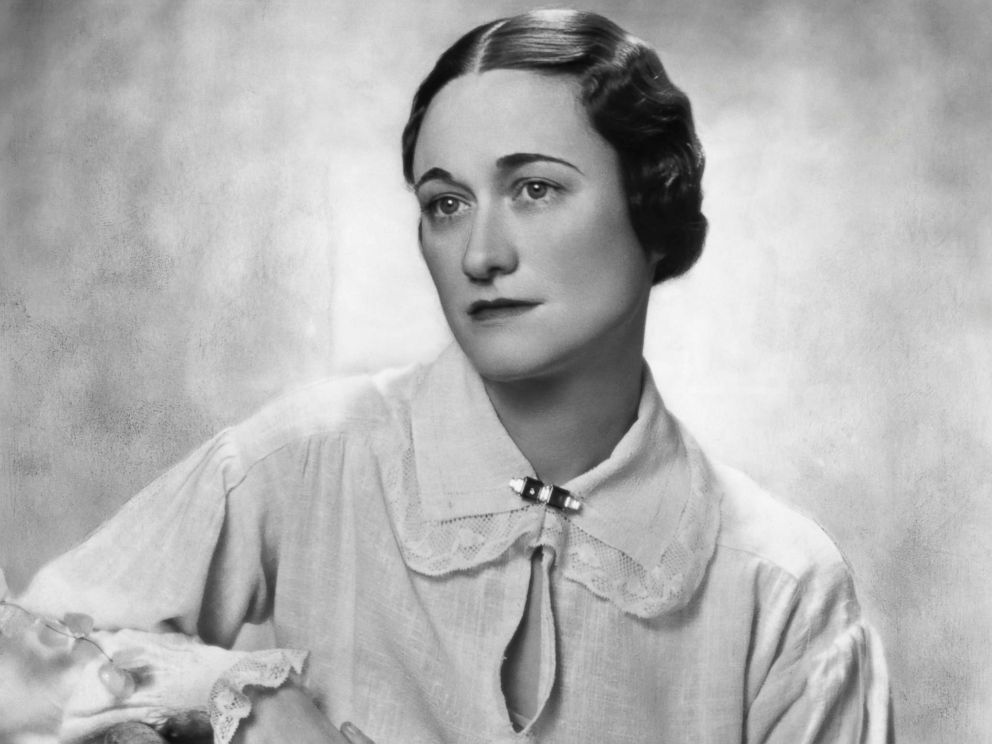 Wallis Simpson posing for a picture