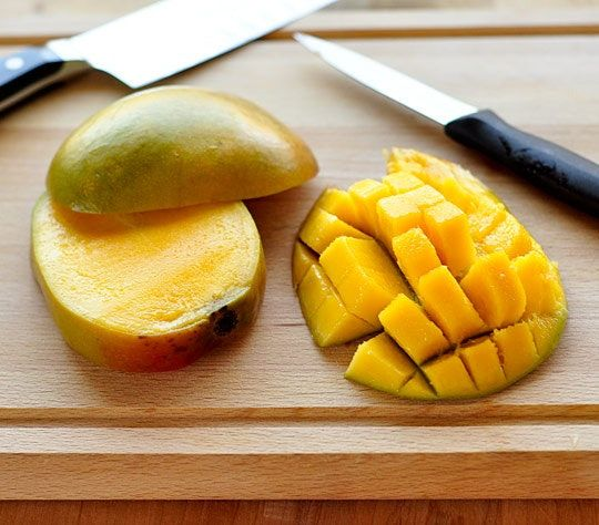No One Can Agree On The Right Way To Eat A Mango But We Might Know The Best Way
