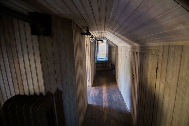 Lighting Basement Washroom Stairs: 7 Secrets Of The Winchester Mystery House