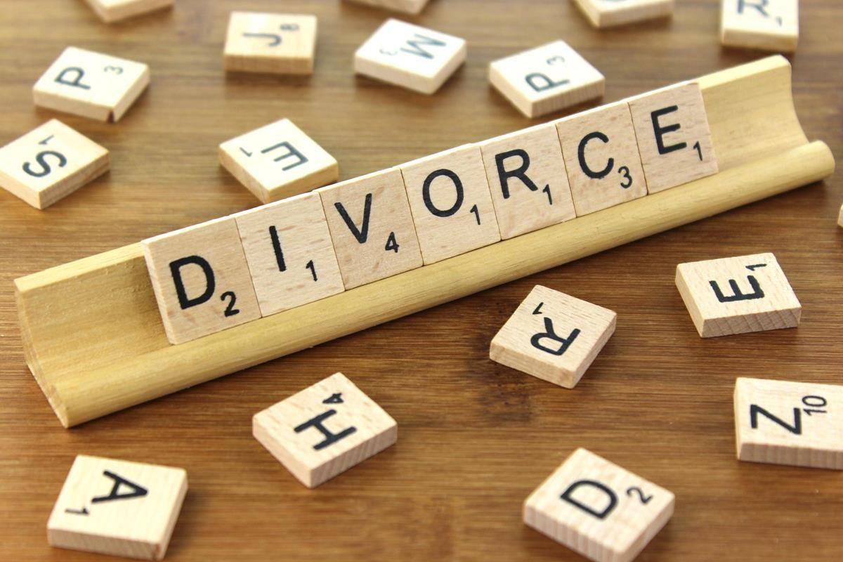 Divorce spelled in Scrabble words