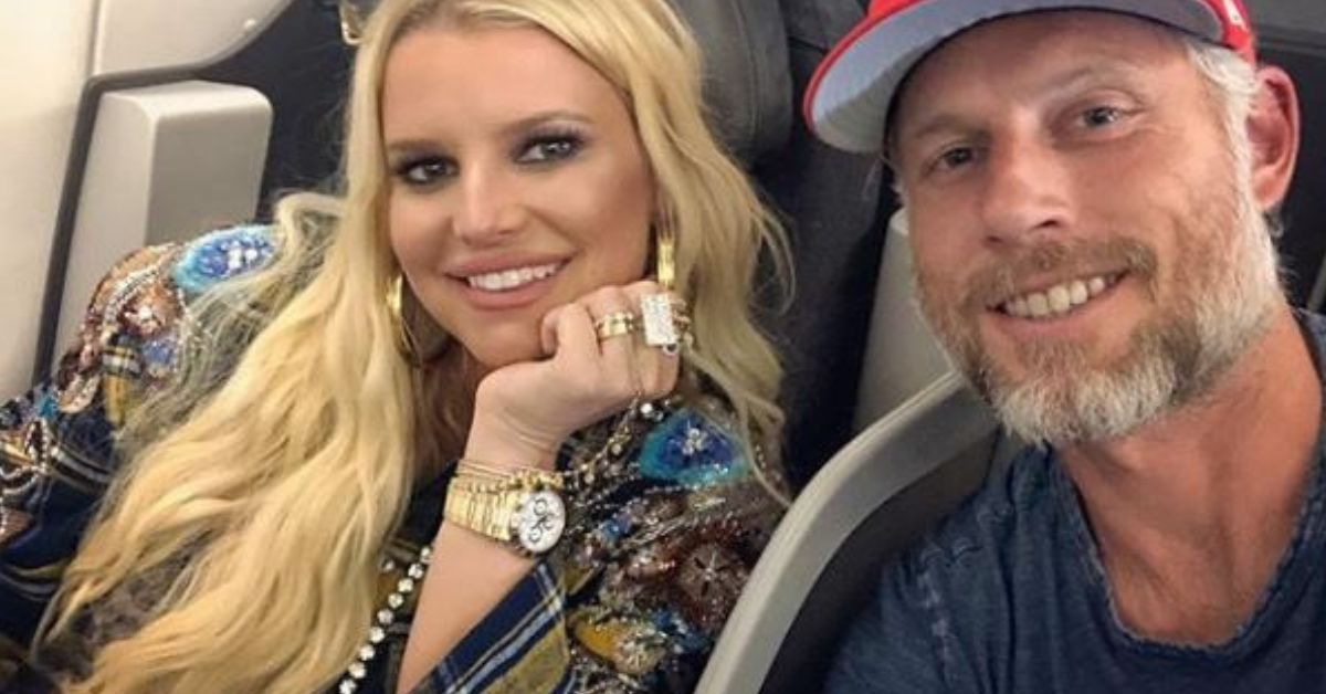 Jessica Simpson Debuts Baby Bump After Announcing She's Pregnant With Third Child