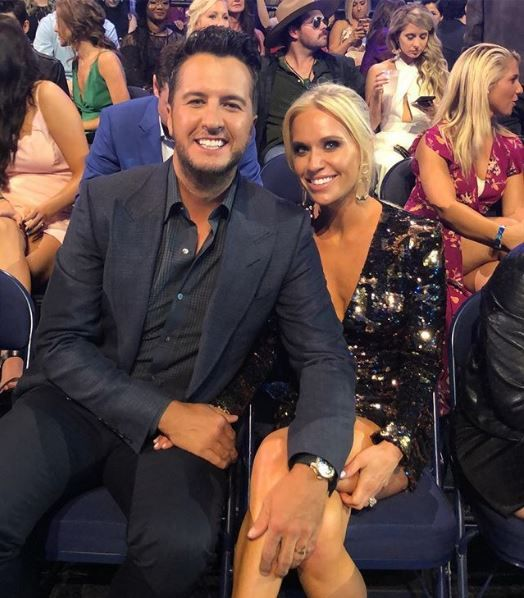 Luke Bryan and his wife at an awards show