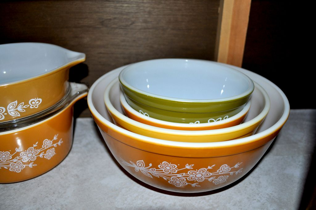 8 Vintage Pyrex Patterns That Are Worth
