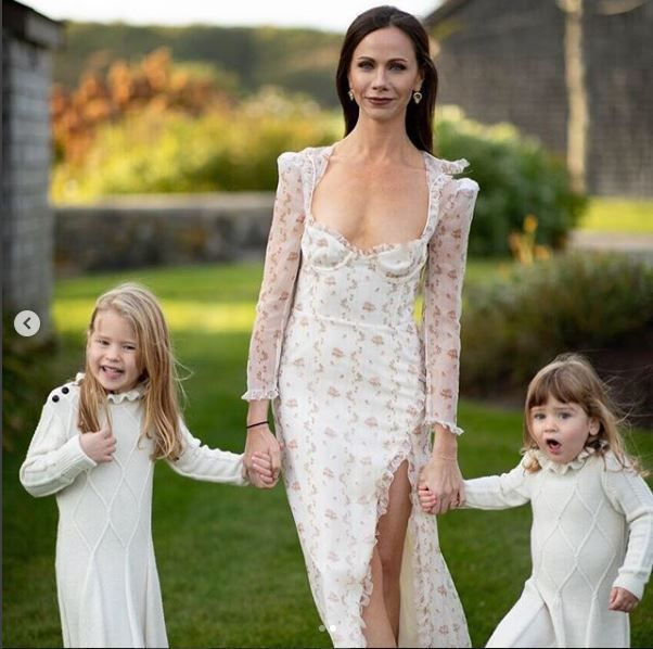 Barbara Bush with her flower girls