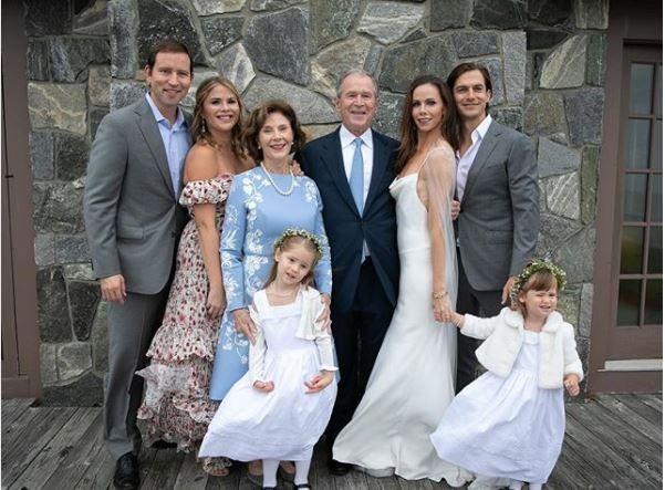 The Bush family pose with newlyweds Barbara and Craig