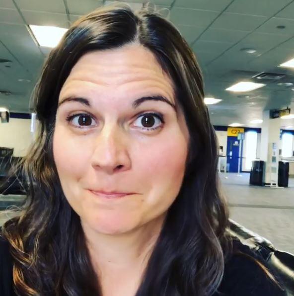 Lisa Jakub airport instagram