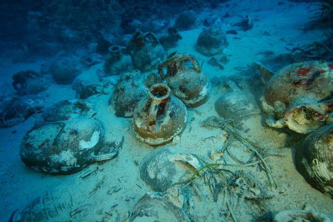 Amphorae jars
