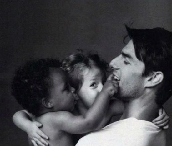 Tom Cruise with Connor and Isabella