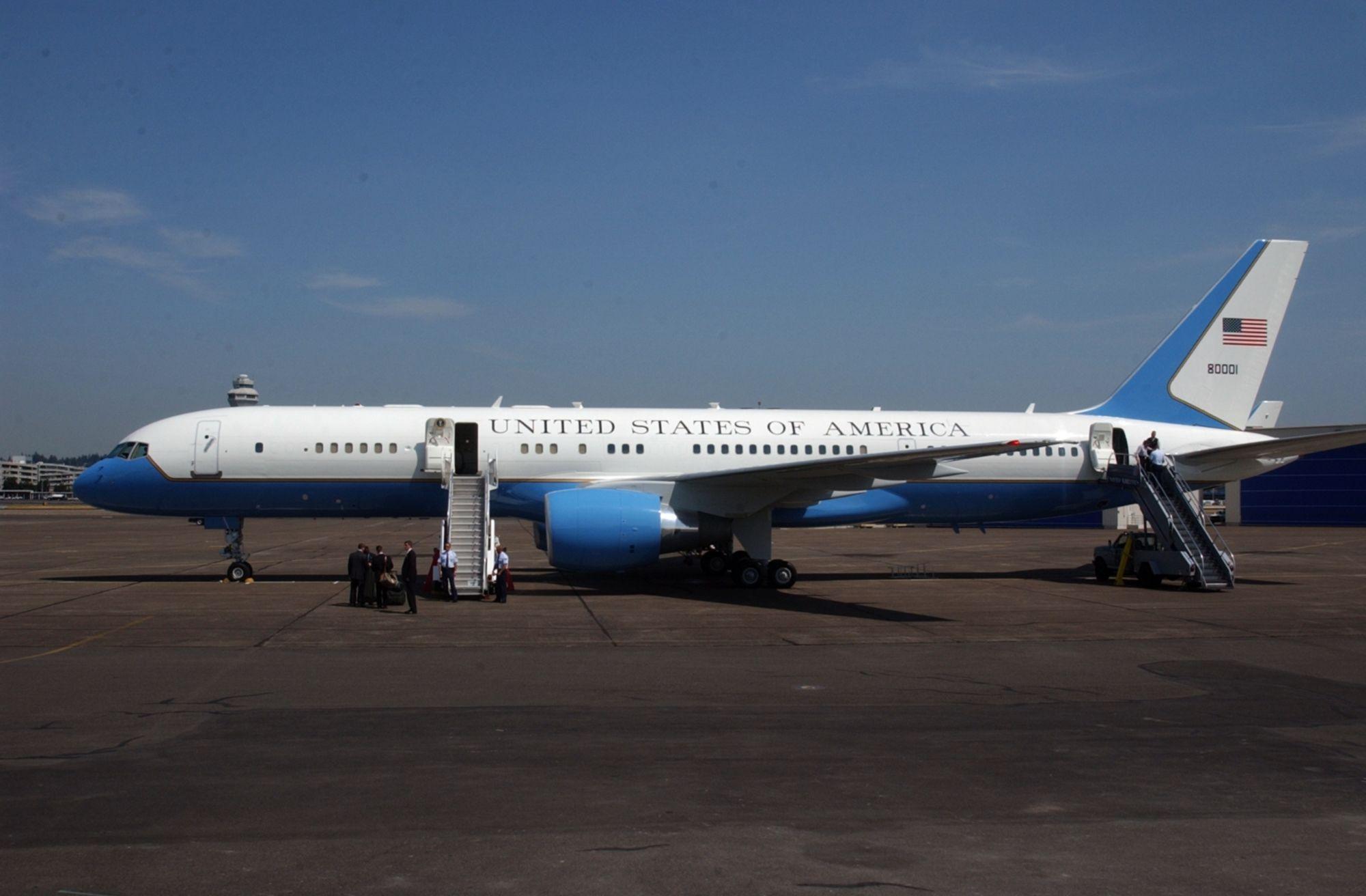 Boeing C-32a