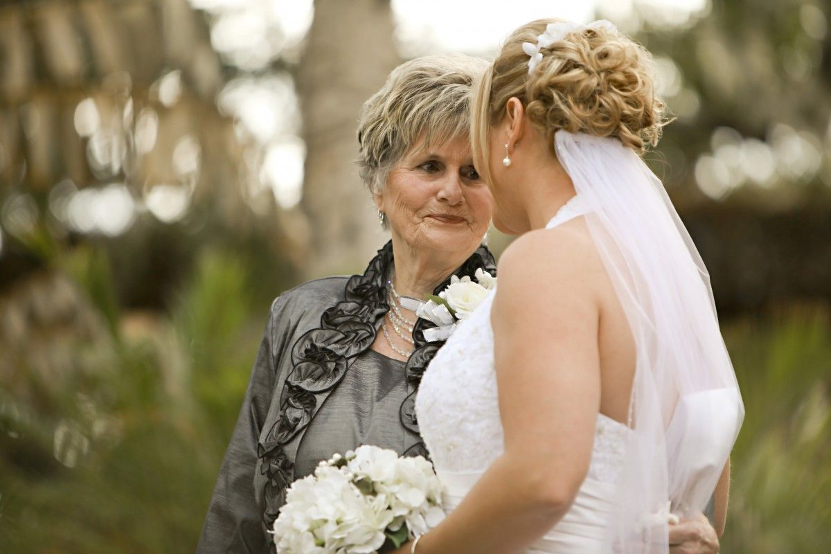 mother with bride
