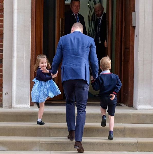 William brings Prince George and Princess Charlotte to meet their new baby brother.