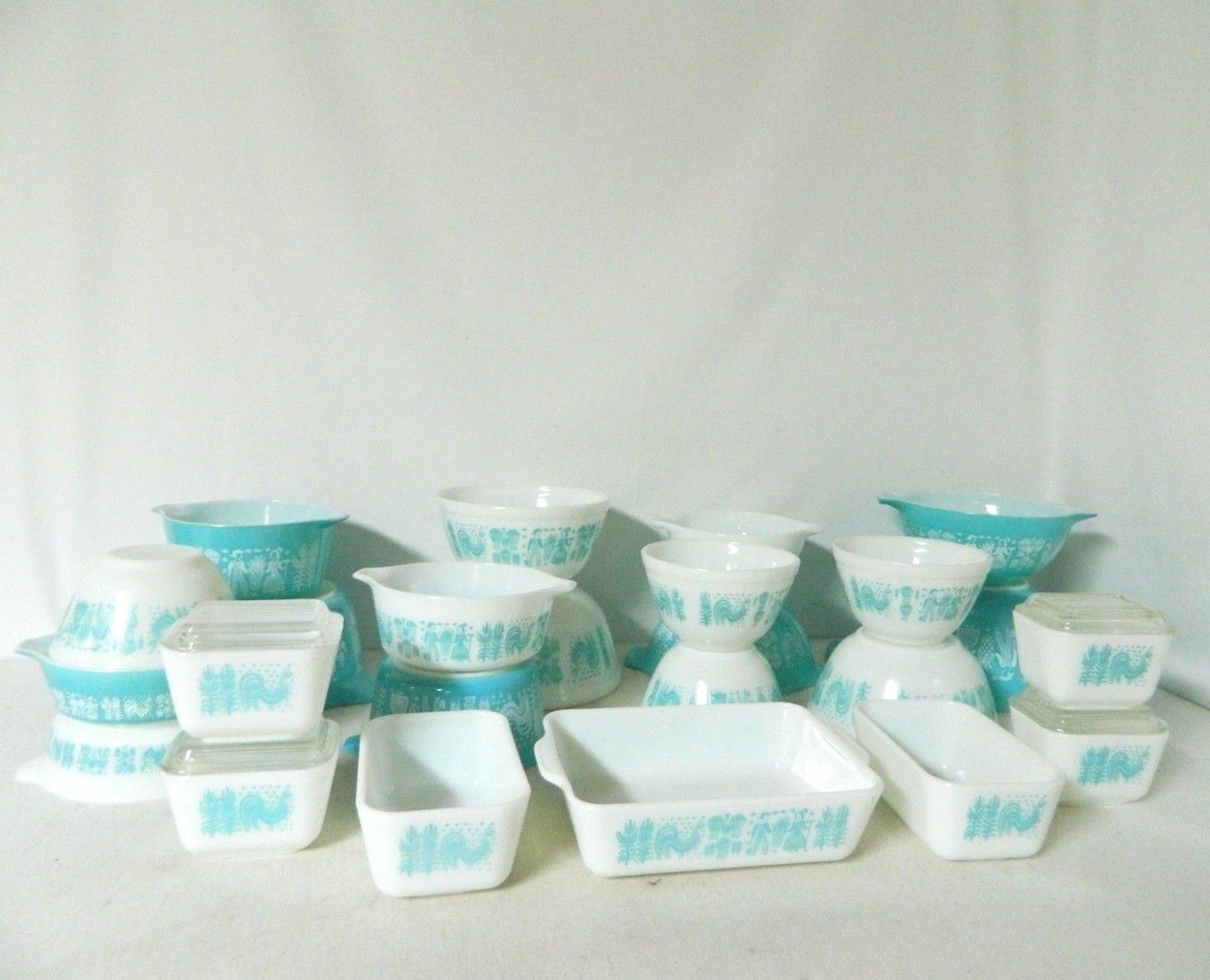 Pyrex Butterprint collection