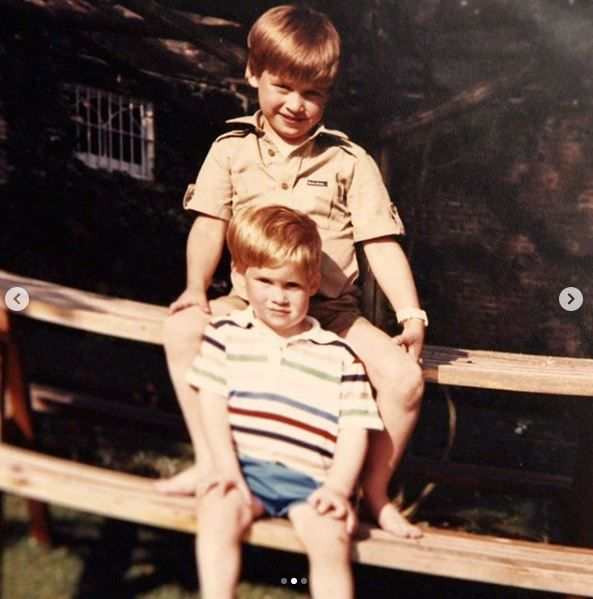 A young Prince William and Prince Harry